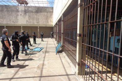 Presídio de Picos tem fuga de 14 presos através de túnel; Sindicato culpa decisão judicial