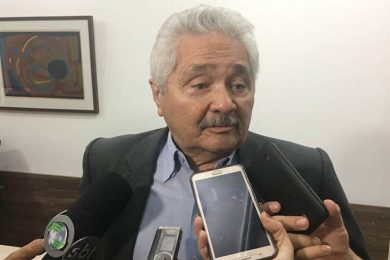 Senador Elmano apresenta PEC para adiar eleições 2020