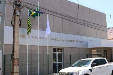 Bombeiros resgatam mulher que ficou presa em elevador por quase 24h em Picos