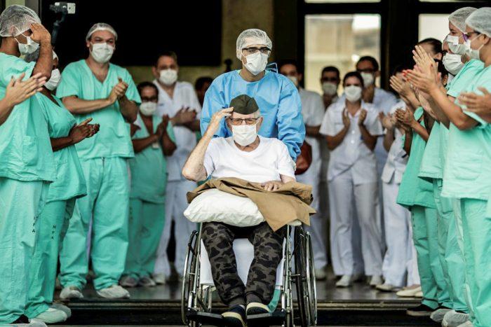 55% das pessoas com coronavírus no Brasil estão recuperadas
