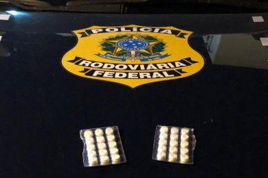 Caminhoneiros são autuados com comprimidos de 'rebite' em Picos