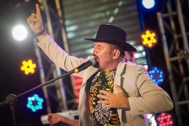 Dudu Rocha realiza Live neste sábado (22) com participação de Tarcísio do Acordeon