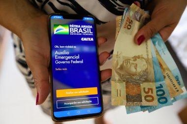 Auxílio emergencial: começa pagamento de novas parcelas no valor de R$ 300