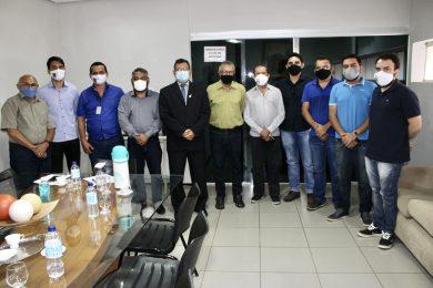 Vereador Chaguinha recebe visita de representantes da Engenharia