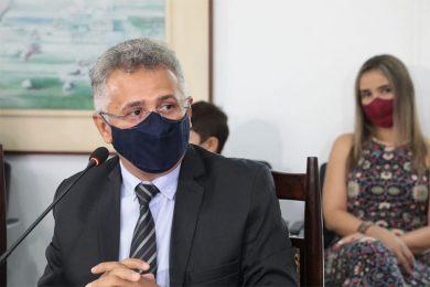 Em posse, Evandro Alberto diz que pandemia e modernização são os maiores desafios