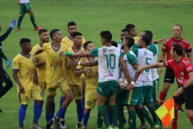 Tiradentes e Picos ficam no empate em jogo de muita confusão