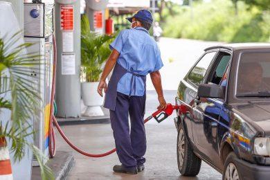 Donos de postos no Piauí vão vender gasolina a R$ 3,50 em protesto aos impostos